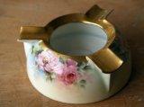 手描きのバラの灰皿