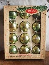 ガラスのクリスマスオーナメント箱入り